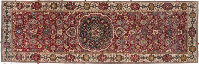 Trinitarias Carpet Nazmiyal